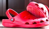 Correr con zapatillas crocs