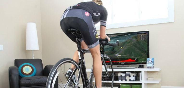 Hay que pasar el invierno: cómo entrenar el ciclismo en rodillo