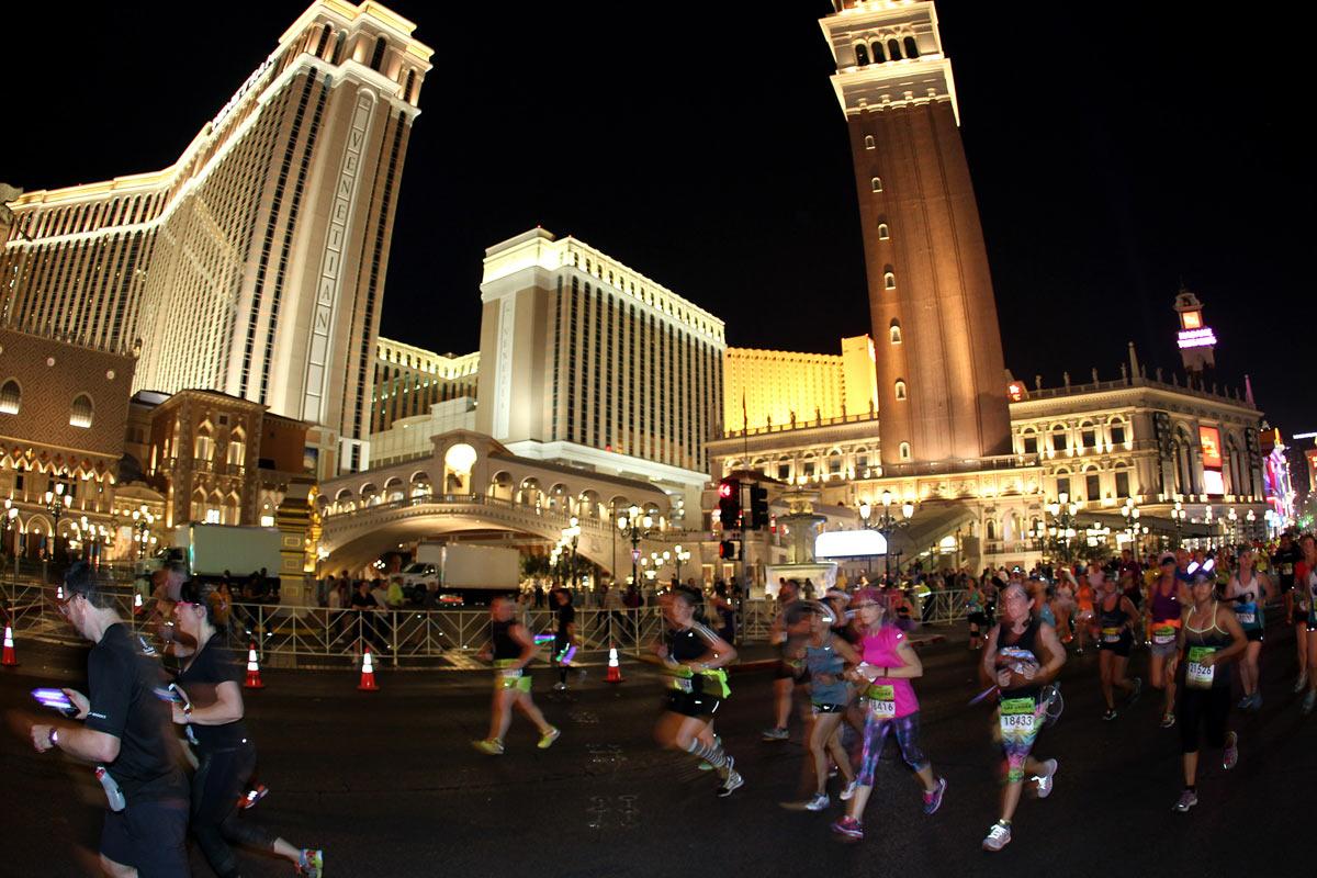 El famonso hotel Venetian, a la altura del km 7. (Andrew McClanahan/Rock 'n' Roll Marathon Series)