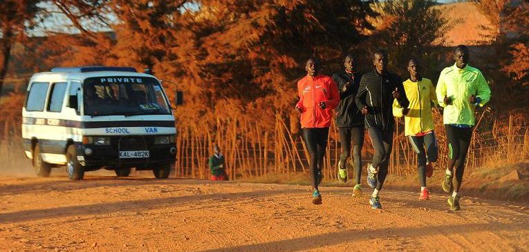 Cómo influyen las horas de sol en el entrenamiento de los atletas keniatas
