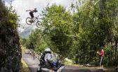 Un salto insólito en el Tour de Francia 2018