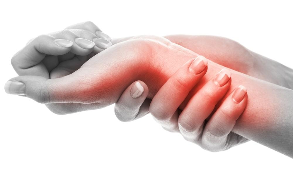 Dolor de muñeca por causa de tendinitis de muñeca