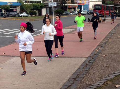 El Neo Running Team entrenando en Parque Centenario (Foto: Neo Running)
