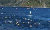 La natación en Lago Moreno, un espectáculo del 70.3 Bariloche