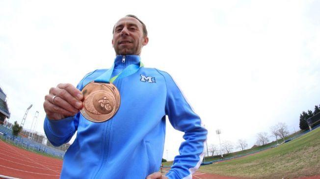 Mariano Mastromarino y su medalla en los Panamericanos de Toronto (foto: Clase Ejecutiva)