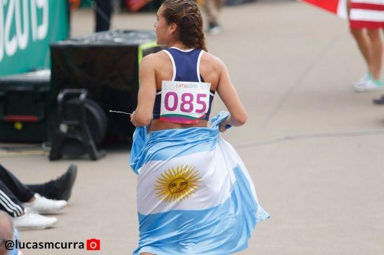 Belén Casetta y la bandera argentina, todo un símbolo (foto: @lucasmcurra)