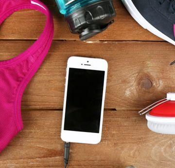 Confira alguns acessórios indispensáveis para a mulher na corrida. Foto: Shutterstock