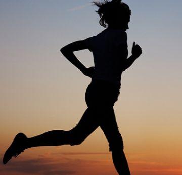 Outro ponto que faz com que o corredor consiga a ter mais resistência durante a corrida é melhorar seu sistema cardiorrespiratório.