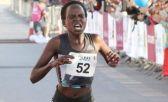 A queniana Peres Jepchirchir quebrou o recorde mundial na meia maratona feminina ao registrar o tempo de 1h05min06