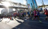 Calor e percurso prejudicam os corredores que participam da Maratona de São Paulo
