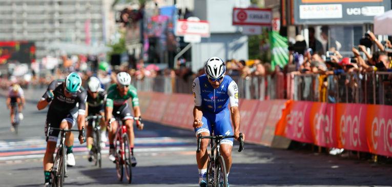 Resultado de imagem para Itália corrida de bikes Cefalu - Etna 181 km 2017