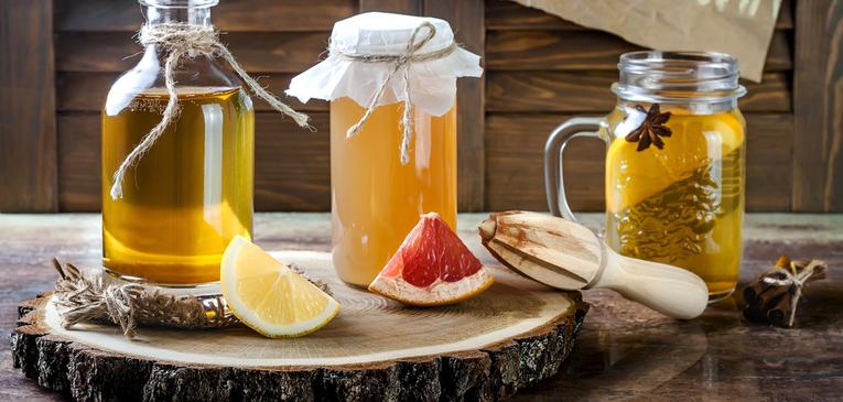 Veja os benefícios do kombucha, bebida fermentada e rica em probióticos