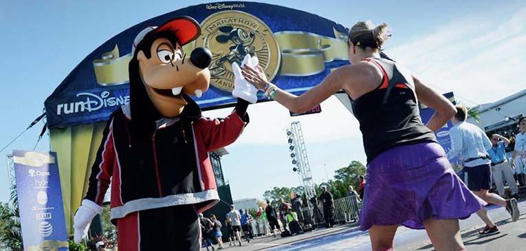 Só os patetas correm bem na Disney