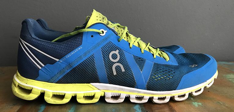 Batida seca é característica de modelo da marca On Running