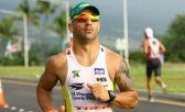 O brasileiro Tony Kanaan vive de correr de ca