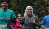 Freira corredora usa o esporte para transmitir mensagens religiosas