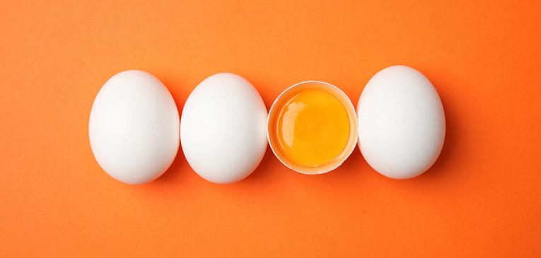 La clara del huevo tiene proteinas